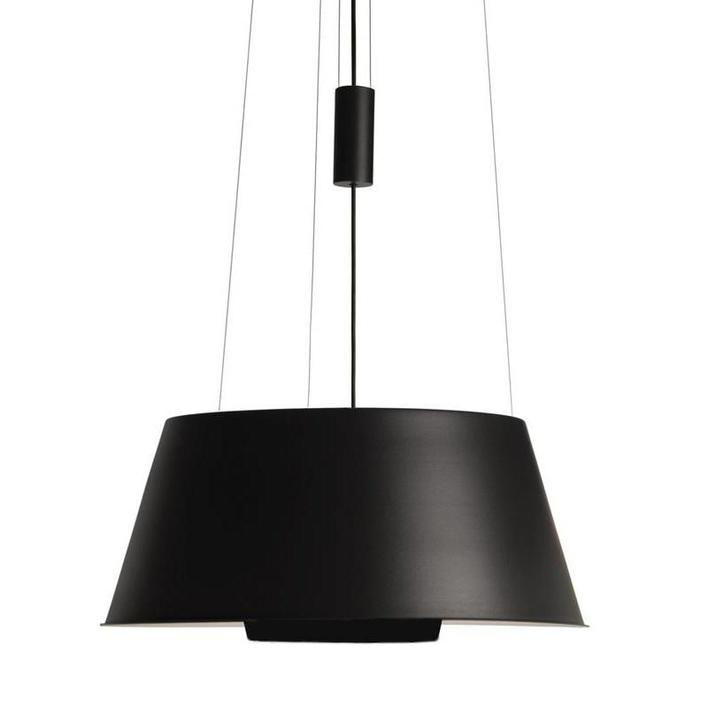 Suspension lamp in black